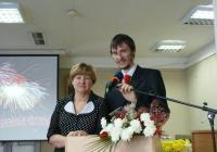 Директор Гуманитарного центра Пронина Людмила и ведущий праздничного вечера Усольцев Кирилл
