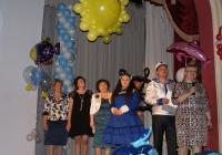 Участниц конкурса приветствует Н. Лунькова