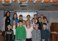 Н. Петрова и учащиеся школы № 6