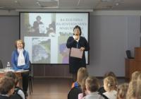 Валентина Максимова и ведущая Анна Шерстова