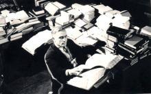 С.А. Полевой в кабинете